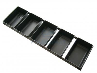 Assemblage de formes à pain rectangulaire en tôle noire
